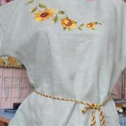 """Жіноча блузка вишиванка м'ятного кольору """"Соняшники"""" фото"""