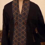 Черная мужская вышиванка с теплой вышивкой
