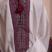 Мужская вышиванка с украинским орнаментом