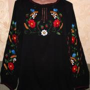 Шифонова чорна вишиванка з яскравими квітами