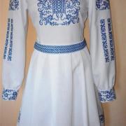 """Платье вышиванка белая с голубым """"Сокаль"""" фото"""