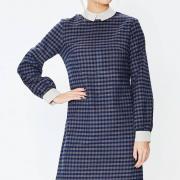 Прямое платье с отложным воротником из шерстяной байки фото