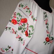 Шифонова вишиванка з вишивкою білого кольору купити