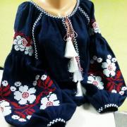 """Жіноча вишита темно-синя блуза """"Киара"""" купити в інтернет-магазині"""