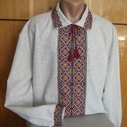 Вышитая мужская сорочка с орнаментом