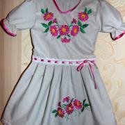 """Дитяче вишите плаття """"Хризантеми"""""""