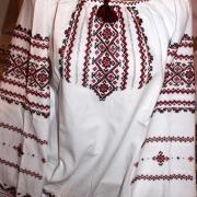 Украинская женская вышиванка цветочная