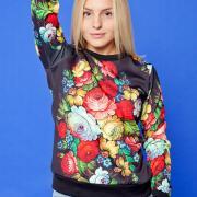 Стильний квітковий светр жіночий в українському стилі купити