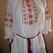 Біла вишита блузка на шифоні за дешевою ціною
