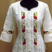 Жіноча біла вишиванка з коротким рукавом
