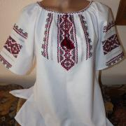 Женская вышиваночка с коротким рукавом на домотканом полотне
