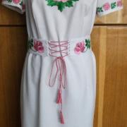 Сукня з вишивкою - червоні троянди