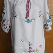 Белая украинская туника с красивой вышивкой