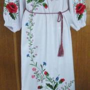 Уркаинское длинное платье с ручной вышивкой
