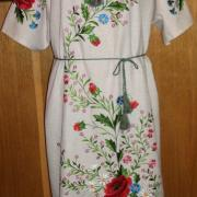 Украинское вышитое платье с цветами