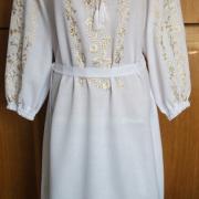Украинское платье с золотистой вышивкой