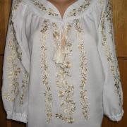 Українська вишиванка - золотиста вишивка