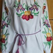 Сукня жіноча з вишитими квітами