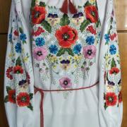 Украинское вышитое платье с красивой вышивкой