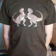 Смешные динозавры футболка ручной росписи подарок парню фото
