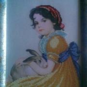 """Картина вишита бісером """"Дівчинка з кроликом"""" купити"""