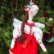 Купити авторську ляльку в українському стилі