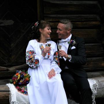 """Парные свадебные вышиванки """"Цветочная любовь"""""""