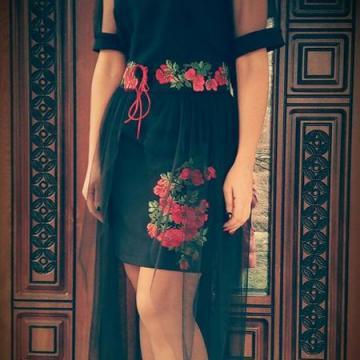 """Чорна сукня з вишивкою """"Чарівність"""""""