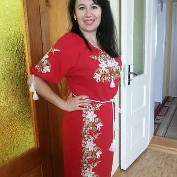 """Вишите плаття в українському стилі """"Аромат лілій"""""""