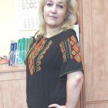 """Жіноча чорна вишиванка з коротким рукавом """"Оранж"""""""