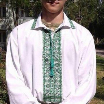 Вишиванка українська чоловіча яскраві кольори
