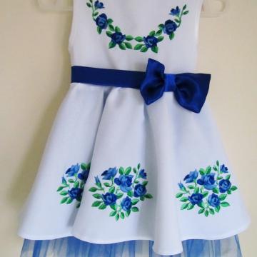 """Вишите плаття для дівчинки """"Блакитні квіточки"""""""