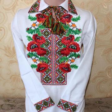 """Детская вышиванка  """"Украинские маки"""""""