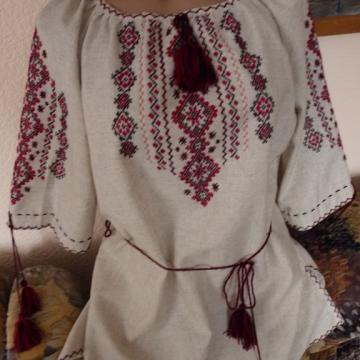 Жіноча вишиванка з льону